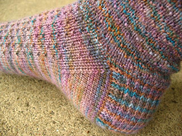 Как связать пятью спицами носки