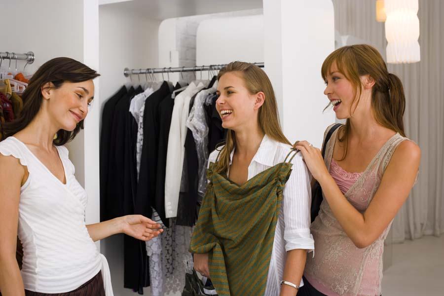 Персонал для магазина женской одежды