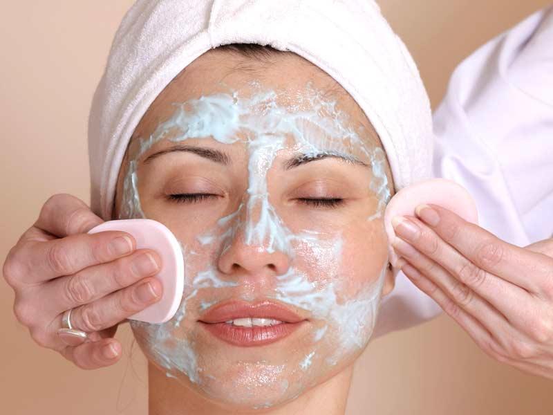 Эффективные маски для лица, уменьшающие поры