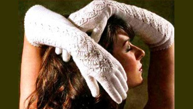 Женская перчатка от кисти к пальцам