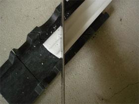 Как клеить потолочные плинтуса в углы, фото