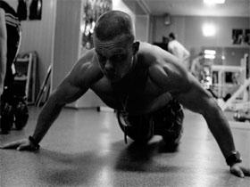 Как накачать проблемные мышцы , фото