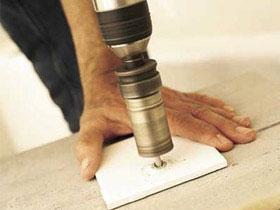 Как сделать отверстие в керамической плитке, фото