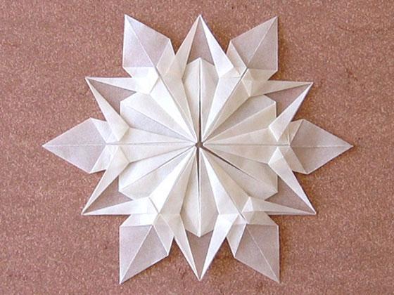 Как сделать своими руками снежинки из бумаги