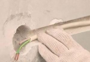 Монтаж скрытой проводки под штукатуркой, фото
