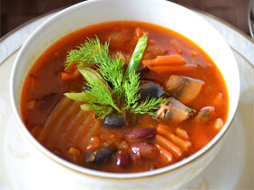 Первые блюда из фасоли, фото