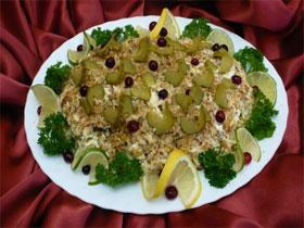 Салат кальмары с орехами, фото