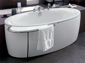Установка акриловой ванны, фото