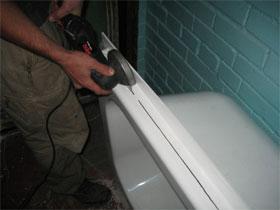 Установка стальной ванны, фото