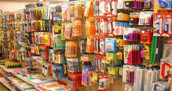 Асортимент товаров магазина канцтоваров