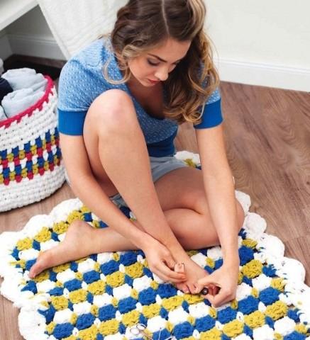 Как вязать коврики в полоску крючком, фото