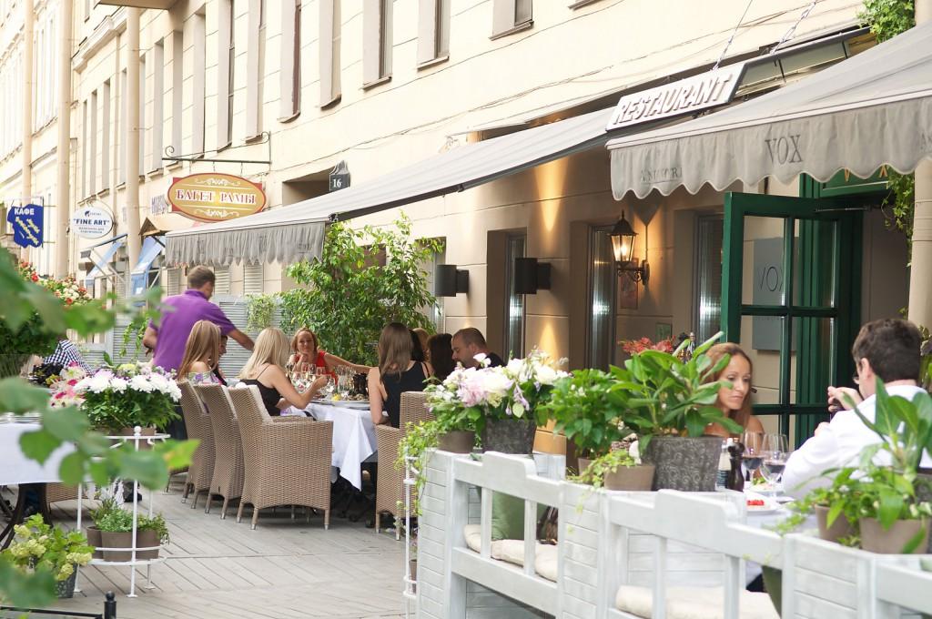 Клиенты casual dinning ресторана любят спокойную неформальную атмосферу