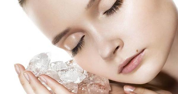 Обтирание кожи льдом