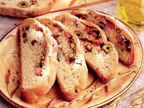 Приготовить хлеб можно с любой начинкой
