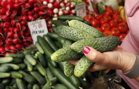 Продажа и сбыт овощей на рынке