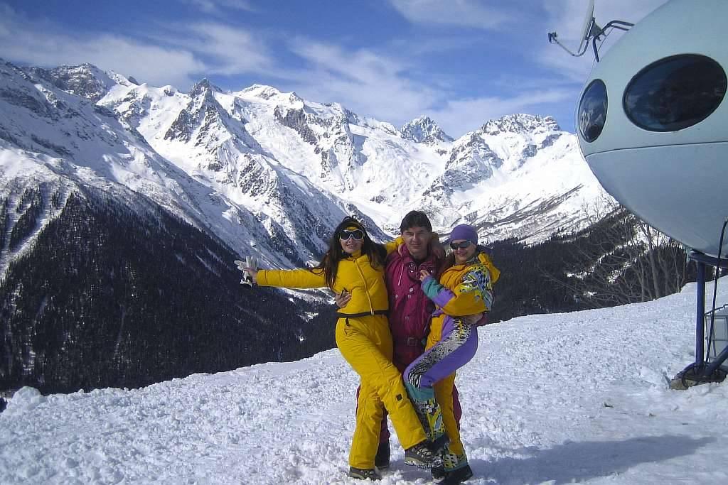 Катайтесь на лыжах в Домбае