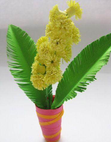 Поделка-панно для бабушки Ваза с мимозами