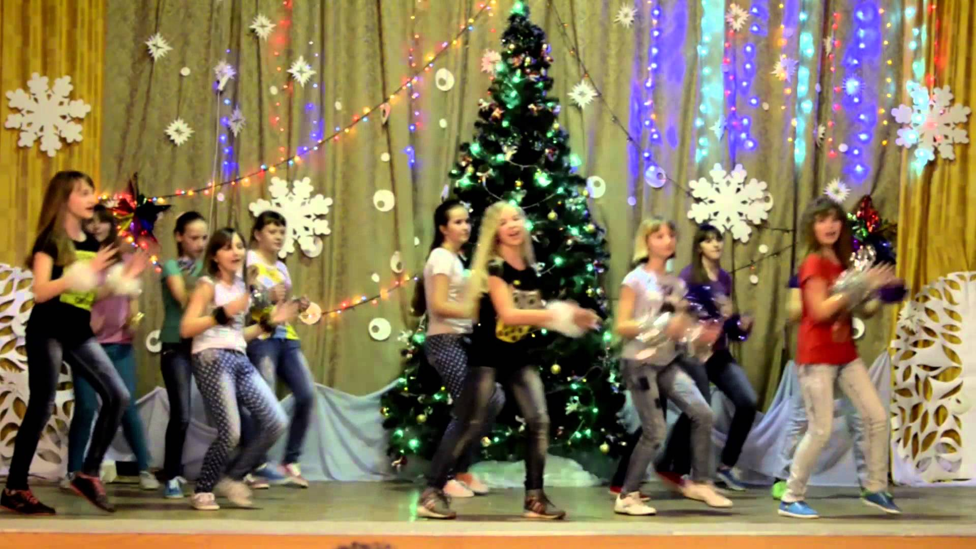 Сценарий на новый год в школе для 6 класса с конкурсами