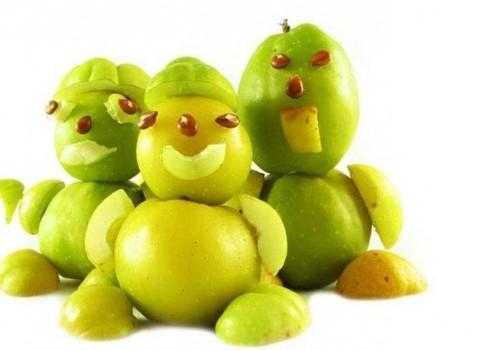 Прикольные человечки из яблок
