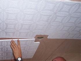 Как оклеить потолок плиткой, фото