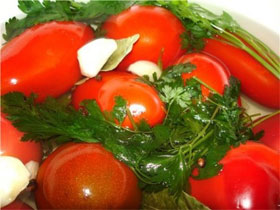 Как солить помидоры правильно, фото