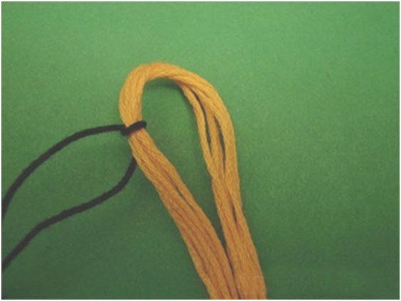 Простой способ плетения из мулине, фото