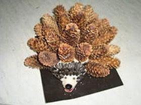 Свинья из шишки сосны, фото