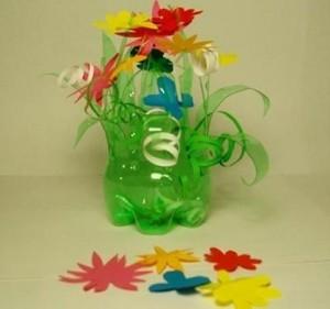 Цветы из пластиковых бутылок - поделки своими руками, фото